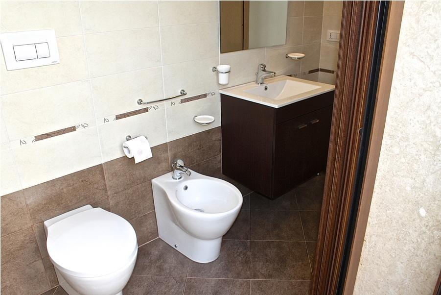 Soluzioni bagno piccolo con lavatrice idee per arredare bagno piccolo impressionante arredare - Soluzioni bagno piccolo ...